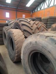 Pneus agrícolas e de máquina usados