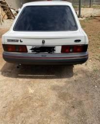 Escort L 90 - 1990