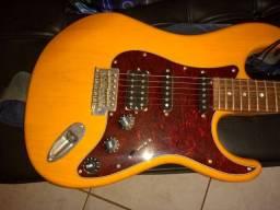 * Baixei para vender rápido* Guitarra Tagima T-736 Special