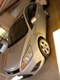 Vende-se Ford Focus Hatch 1.6 Prata Flex