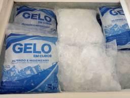 Gelo de água filtrada por duas vezes ,embalagem resistente