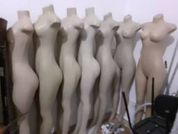 Manequins Unidades:corpo inteiro$100,meio$50, ClaudiaRaia$70
