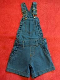 Título do anúncio: Macaquinha jeans infantil $50 tá nova