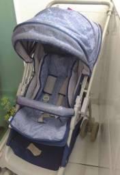 Carrinho de bebê usado poucas vezes