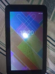 Vendo um tablet um mês de uso .