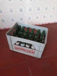 Caixa refrigerante ANTARCTICA antigo (Garrafas a parte)