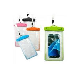 Capinha de celular aprova d'agua.