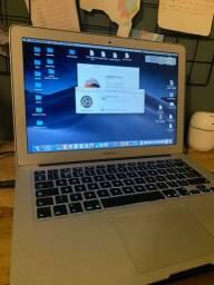 "Título do anúncio: Macbook Air impecável 13"" 1.6GHz Intel Core i5 4gb"