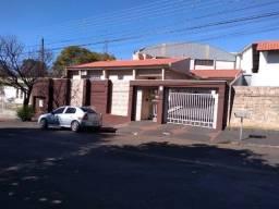 Título do anúncio: VENDA   Casa, com 4 quartos em Centro, Apucarana
