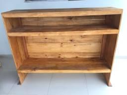 Balcão em madeira pinho