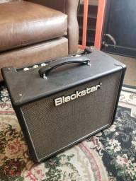 Amplificador Valvulado para Guitarra HT 5R com Reverb Blackstar<br><br>
