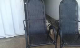 2 Cadeiras semi novas