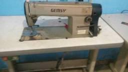 Maquinas de costura industrial uma reta e uma overlok