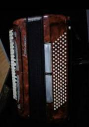 Sanfona/ Accordeon paollo soprani 120 baixos 8 vozes captação nova