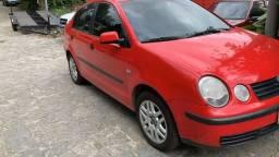 Polo vermelho sedan GNV - 2005