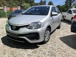 Toyota Etios Sedan 1.5 XS Automático Completo Prata 2018 - 2018