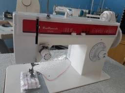 Máquina de costura domestica de ferro