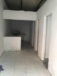 Alugo casa com 2 quartos em Maranguape1