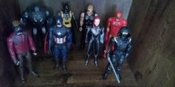 Bonecos da Marvel semi novo