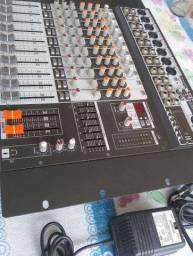 Mesa de áudio seminova