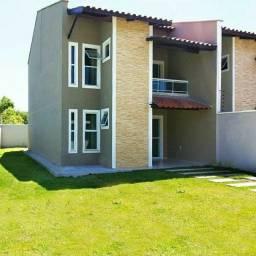 Casas em rua privativa no centro de Eusébio 4 suites