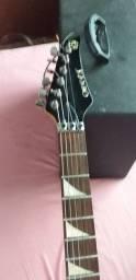Vende-se guitarra  e caixa de som