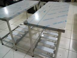 Mesas em aço inox