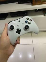 Controle de Xbox one seminovo