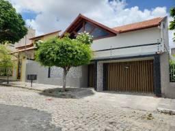 Vendo Casa Moderna com 03 Quartos e 04 Vagas no Bairro do Alto Branco