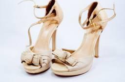 sandália de salto alto arezzo