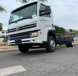 Caminhão Volkswagem Delivery 11-180 2019 Chassi.