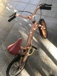 Vende-se bicicleta para criança