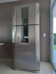 Título do anúncio: Geladeira/Refrigerador Eletrolux inox Frost free