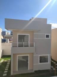 Casa com duas suítes em condomínio fechado em  Abrantes