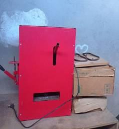 Máquina para fabricação de chinelos Automática