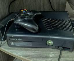 Xbox 360 Slim 4GB Desbloquado