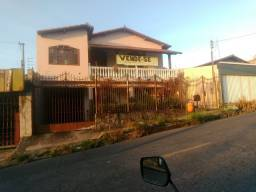 Título do anúncio: Linda Casa De 5 Quartos e 400m² De Àrea Construída No Bairro Jardim Balneário Em Contagem.
