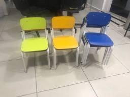 Título do anúncio: 8 Cadeiras infantil escolar
