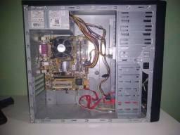 CPU - Intel Core 2 Duo E7400 - 4GB de RAM - HD de 320GB