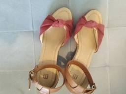 Vendo sandália Marisa