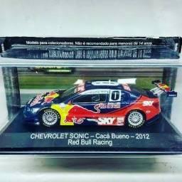 Miniatura Chevrolet Sonic  caça bueno-2012