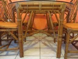 Mesa de bambú com 6 cadeiras