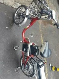 Bicicleta elétrica leve vermelha nova zera