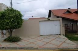 Alugo casa no Jardim Carvalho