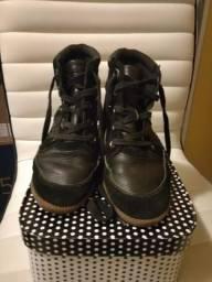 Bota sneaker preto com spikes