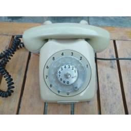 R$100 Telefone antigo de disco Ericsson está funcionando