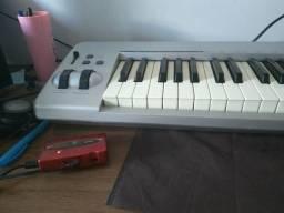 Controlador Keystation + placa de áudio + estante Stay prata