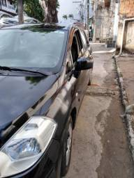 Vendo Nissan Tiida sedan ano 2011/12 comp - 2011