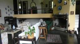 Casa em condomínio,com 3 quartos,sendo 1 suíte,linda vista para o verde e montanhas