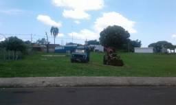 Trator com concha e caminhão caçamba